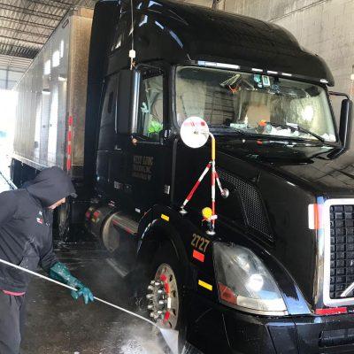 We Wash Trucks